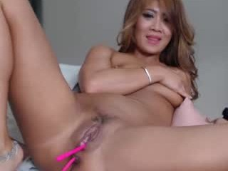 mandy138 Slut has anal sex with her two lovers and lets them hump her into both holes.