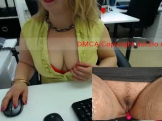 milf_viktoria Vendulla rides the cock and sucks the other one.