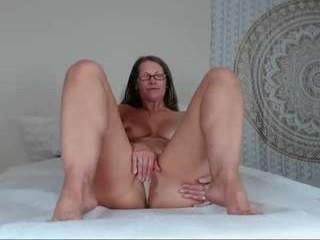 jessryan Brunette bimbo loves licking her cum filled tight asshole
